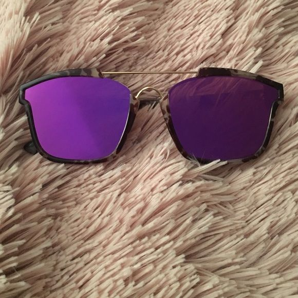 ABSTRACT mirrored sunnies  Brand New Abstract Christian Dior inspired sunglasses! Accessories Sunglasses