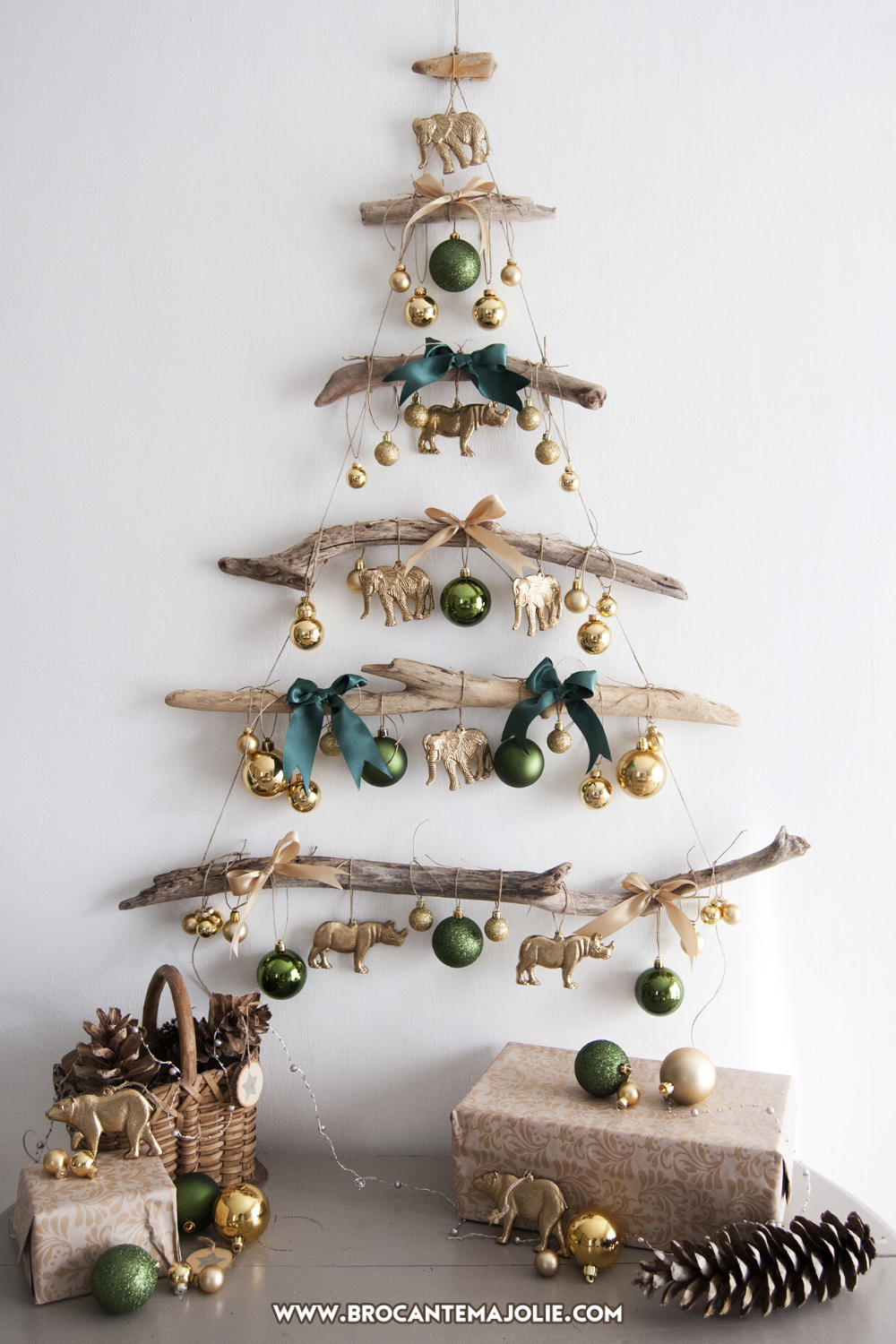 Driftwood Christmas Tree In 2020 Driftwood Christmas Tree Christmas Decorations Rustic Flat Christmas Tree