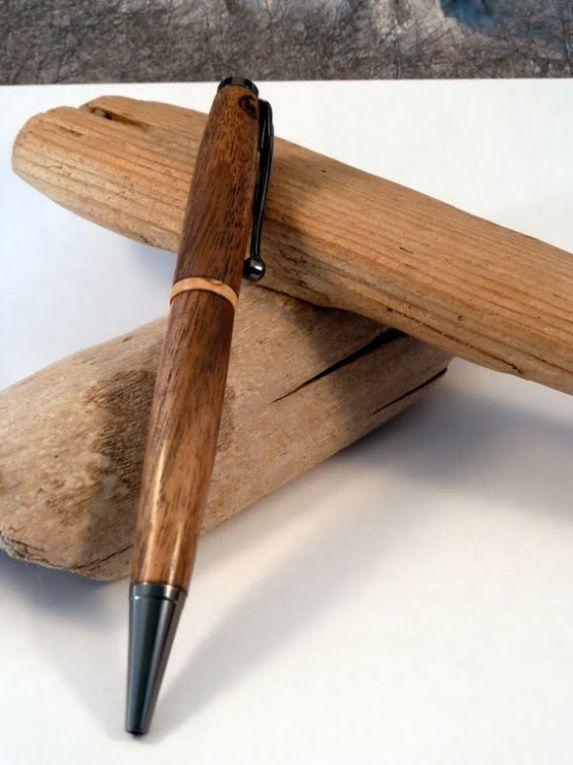 stylo en noyer