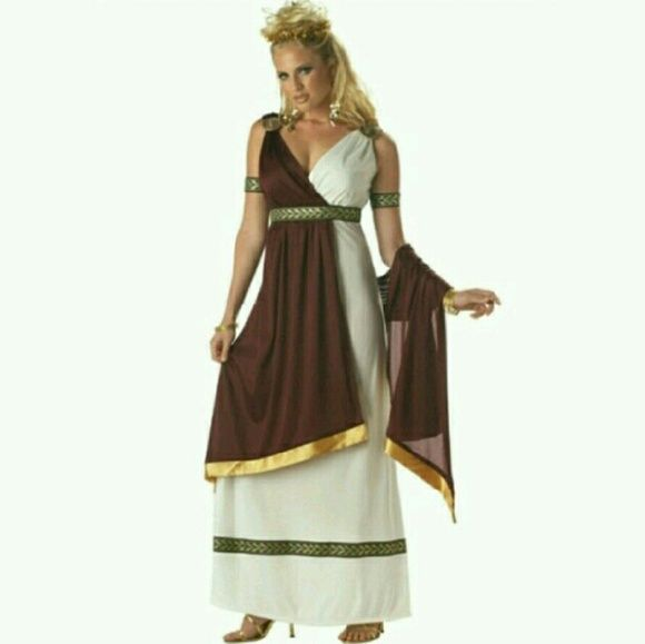 roman goddess halloween costume almost perfect condition there is a slight dinginess in the white