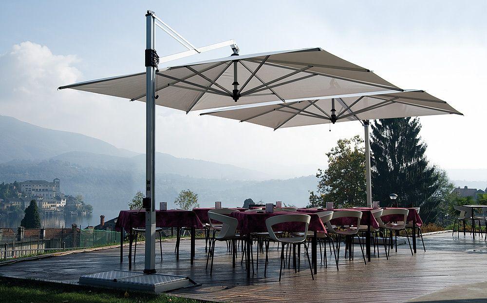 Commercial Outdoor Furniture Retracting Cantilever Umbrella