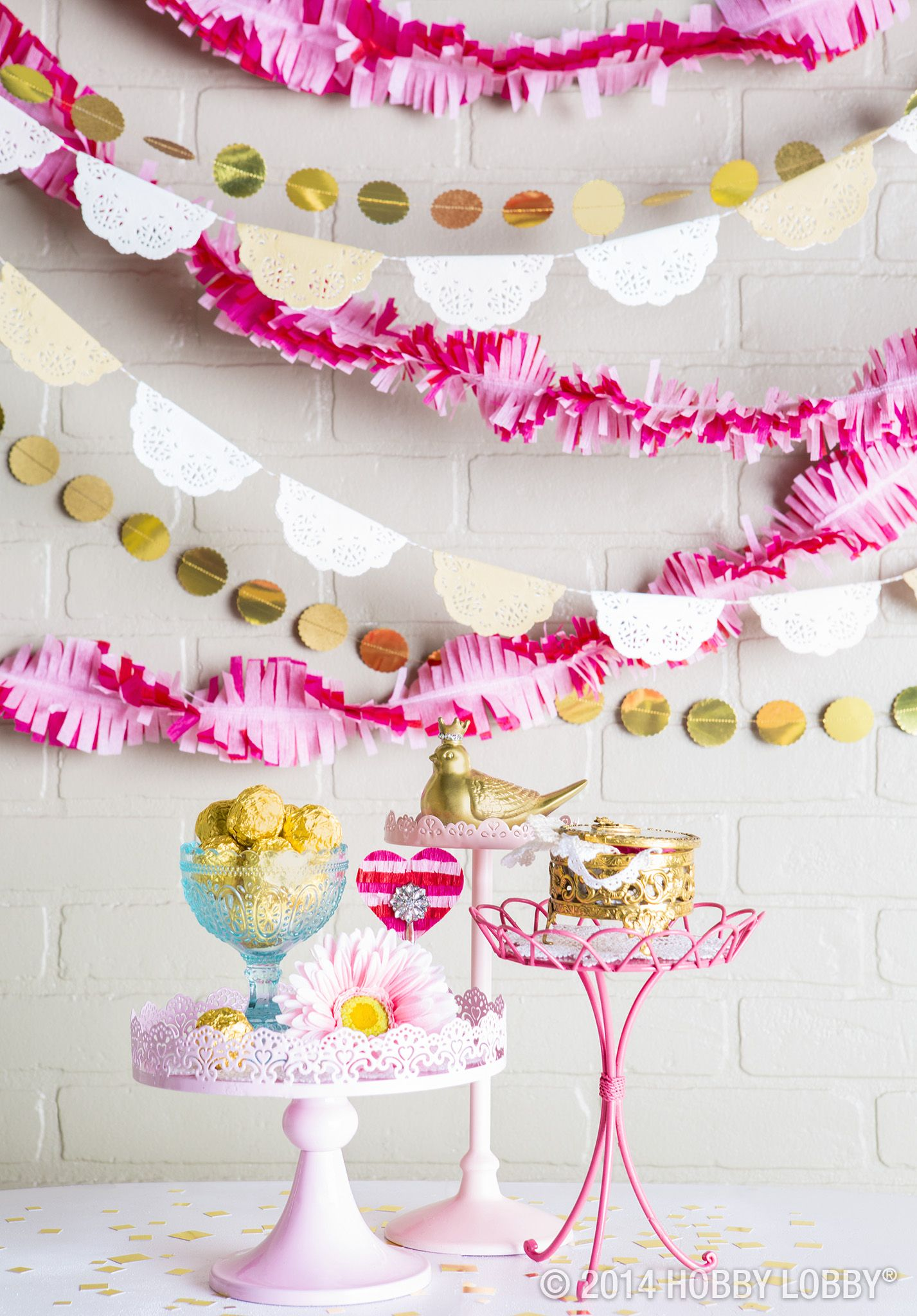 Set The Scene For The Mom To Be With Simple Party Decor In Shades