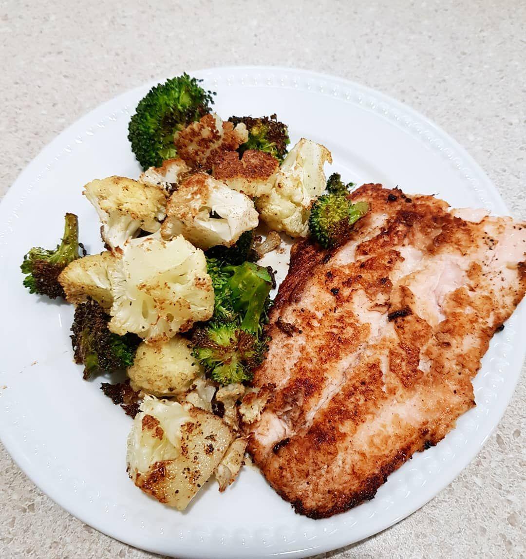 Easy go-to dinner tonight: Pan seared Salmon and oven roasted veggies! . . . . -      Easy go-to dinner tonight: Pan seared Salmon and oven roasted veggies! . . . . #food #dinnertime #insta #instafoodgram #dinnerideas #dinnerrecipes #flavor #foodstagram #foody #homemade #lovetocook #mealoftheday #healthyfood #instafood #salmon #roastedveggies #broccoli #cauliflower #fish #peixe #flexitarian     The Effective Pictures We Offer You About weeknight Dinner Recipes      A quality picture can tell yo