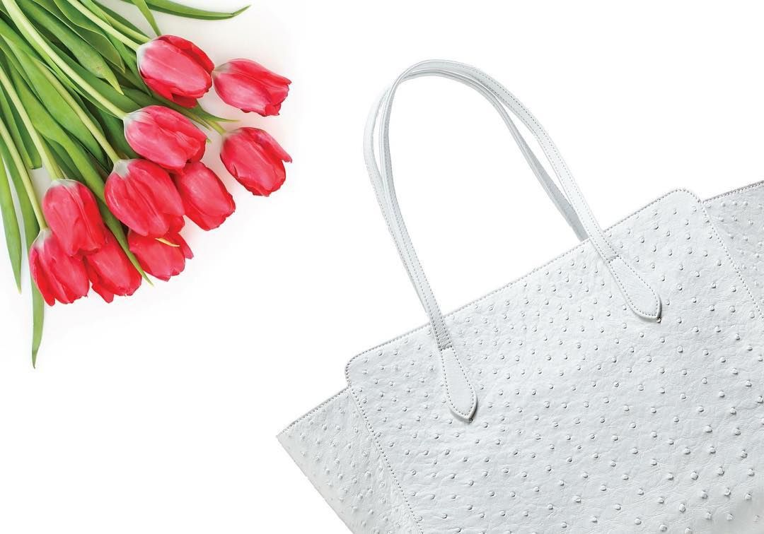Our beautiful White Ostrich Tote is perfect for the Spring season! #meredithrayhandbags