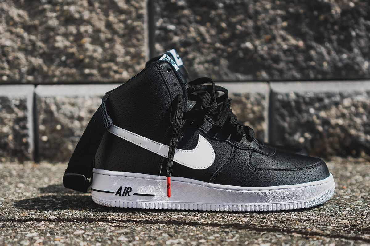 reputable site ce11f 58dc7 Nike Air Force 1 High