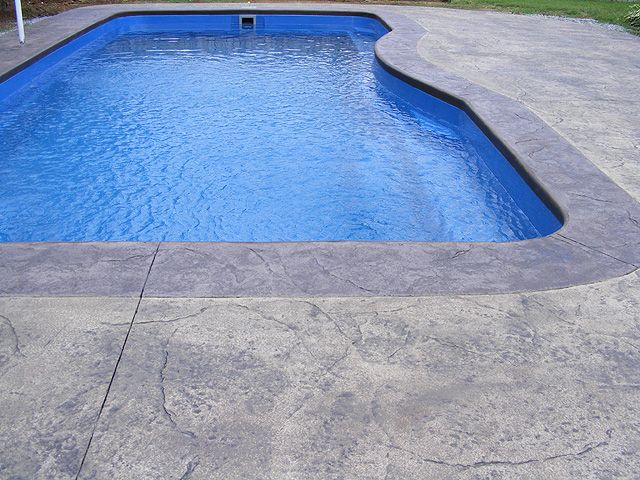 Stamped Vs Brushed Broomed Concrete For Swimming Pools Which Is
