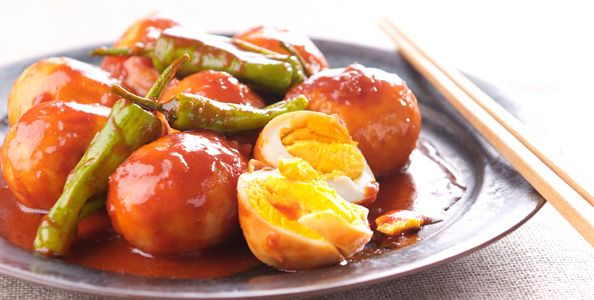 Boiled eggs with Gochujang sauce
