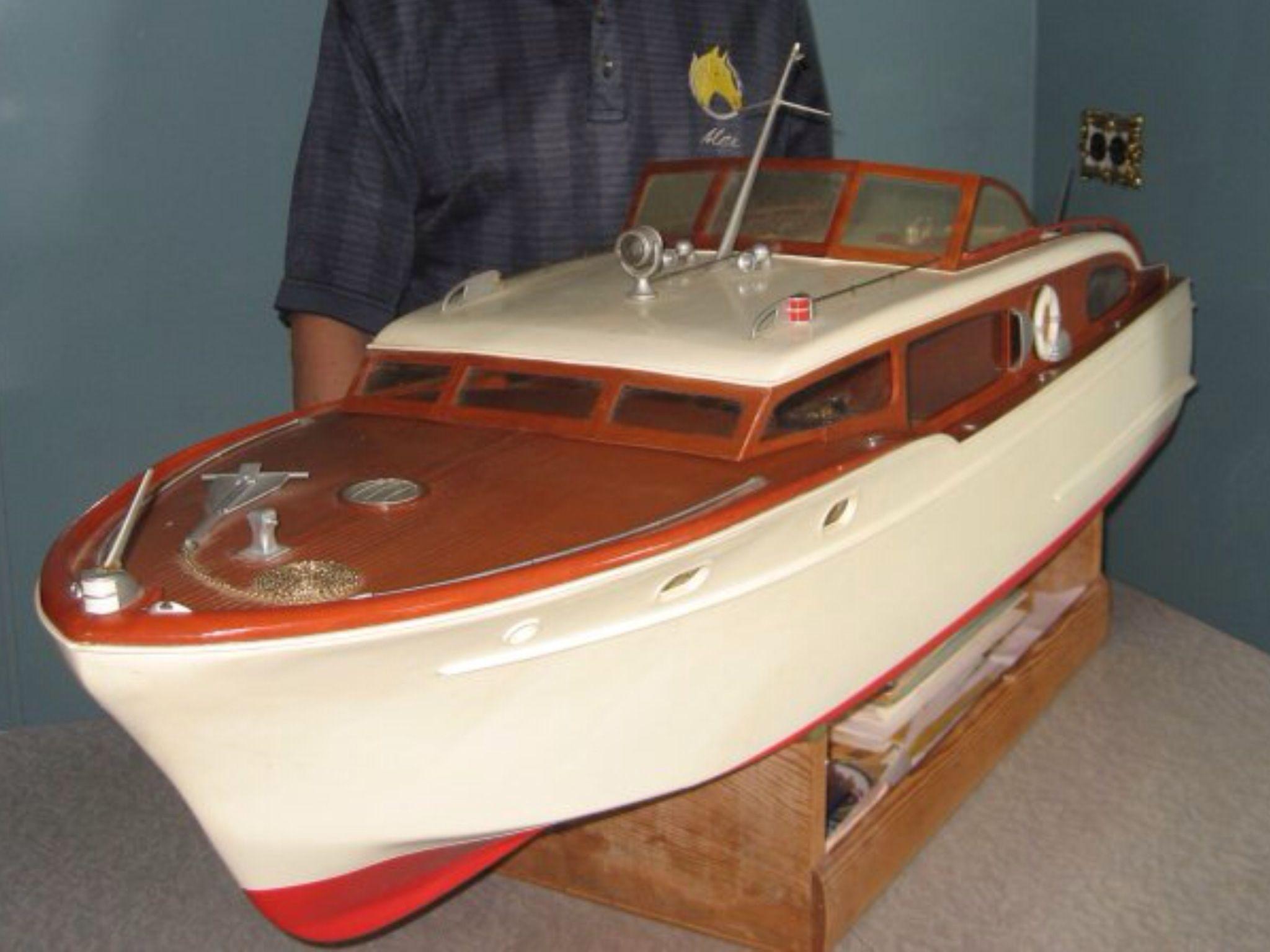 Chris Craft Model Boat | Hobby Stuff I Like | Classic wooden boats, Chris craft boats, Boat