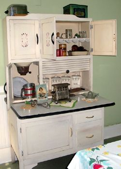 Charming Vintage Kitchen Cabinets