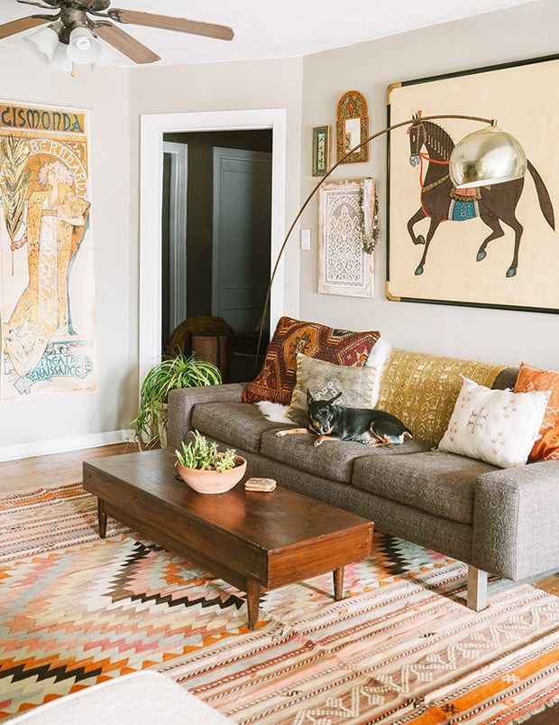 Tips to have a fall living room decor is part of Scandinavian Home Accessories Living Rooms - It is very common that when trying to achieve a fall living room decor we end up saturating everything with orange walls, brown accessories, etc