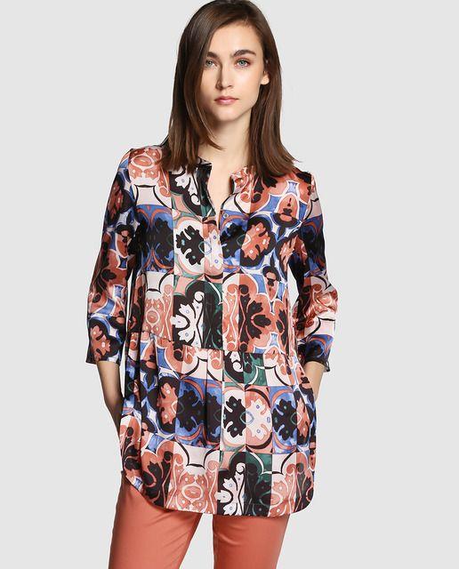 27e8d75d4d2 Blusa amplia de mujer Síntesis con estampado multicolor