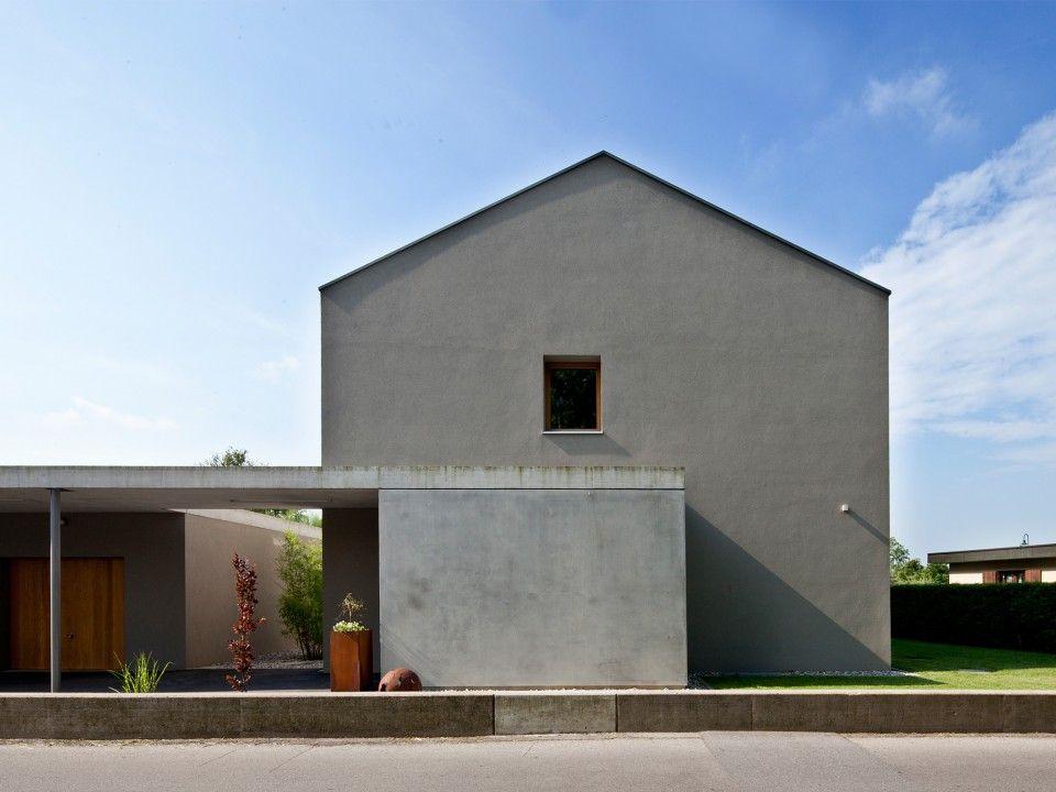 Frontansicht bei Nacht - Haus F- keine graue Maus! Fassade - haus renovierung altbau london wird vier reihenhauser verwandelt