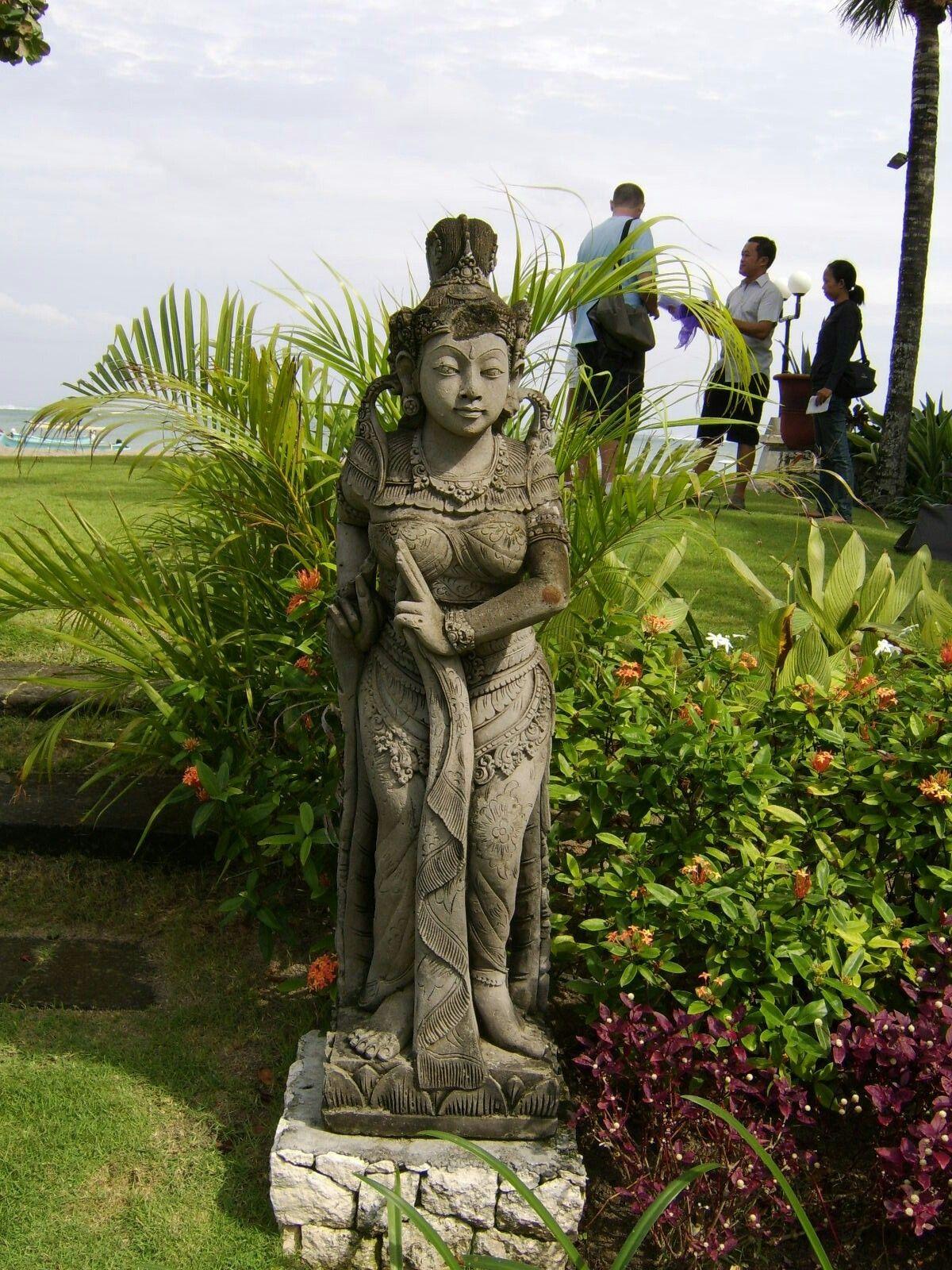 Bali Statue Places Work In 2019 Balinese Garden Tropical Und