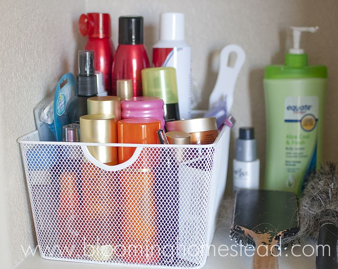 Blooming Homestead: My Bathroom Closet...
