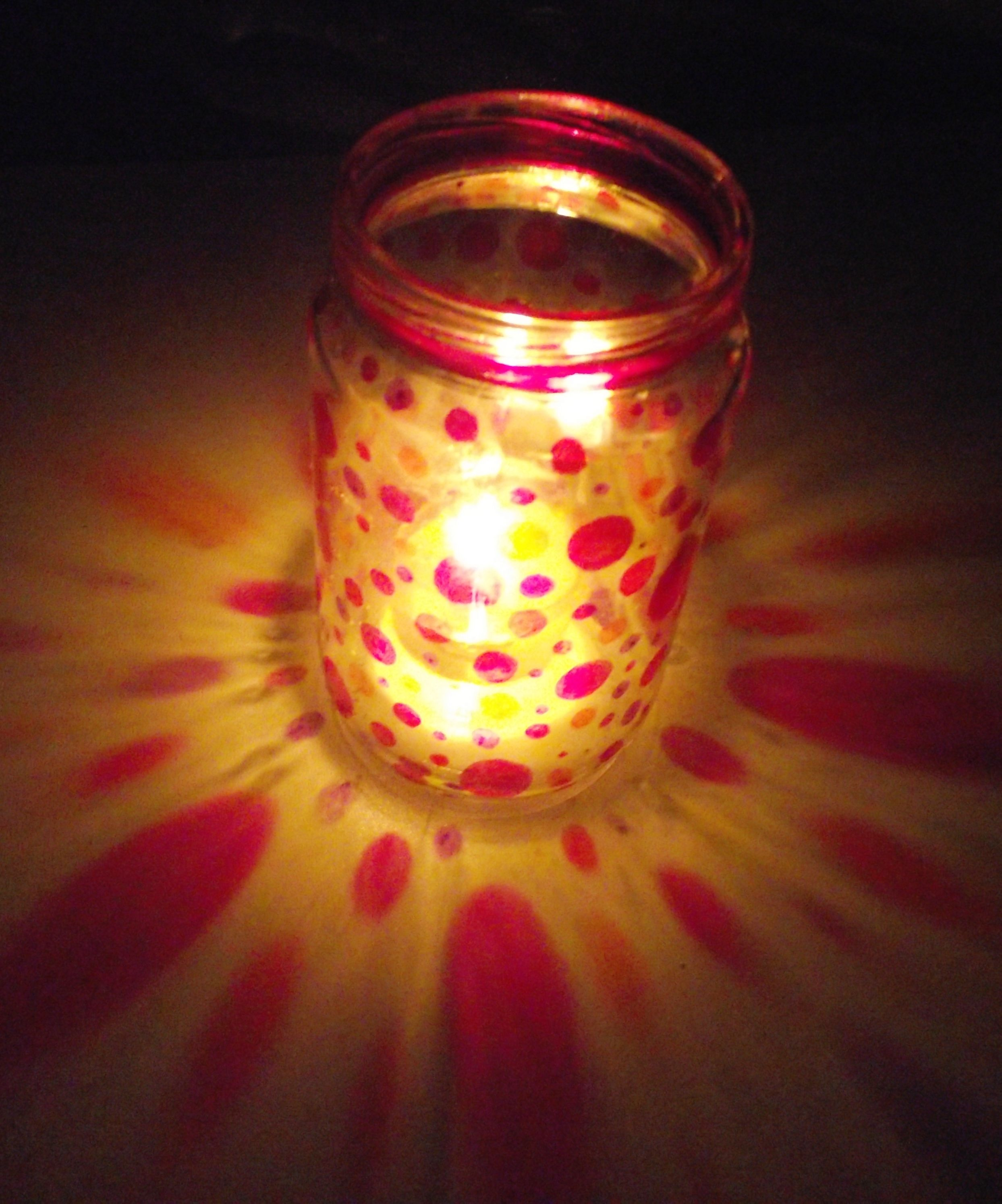 Old glass jar sharpies funky candle holder diy for Crafts to make with glass jars