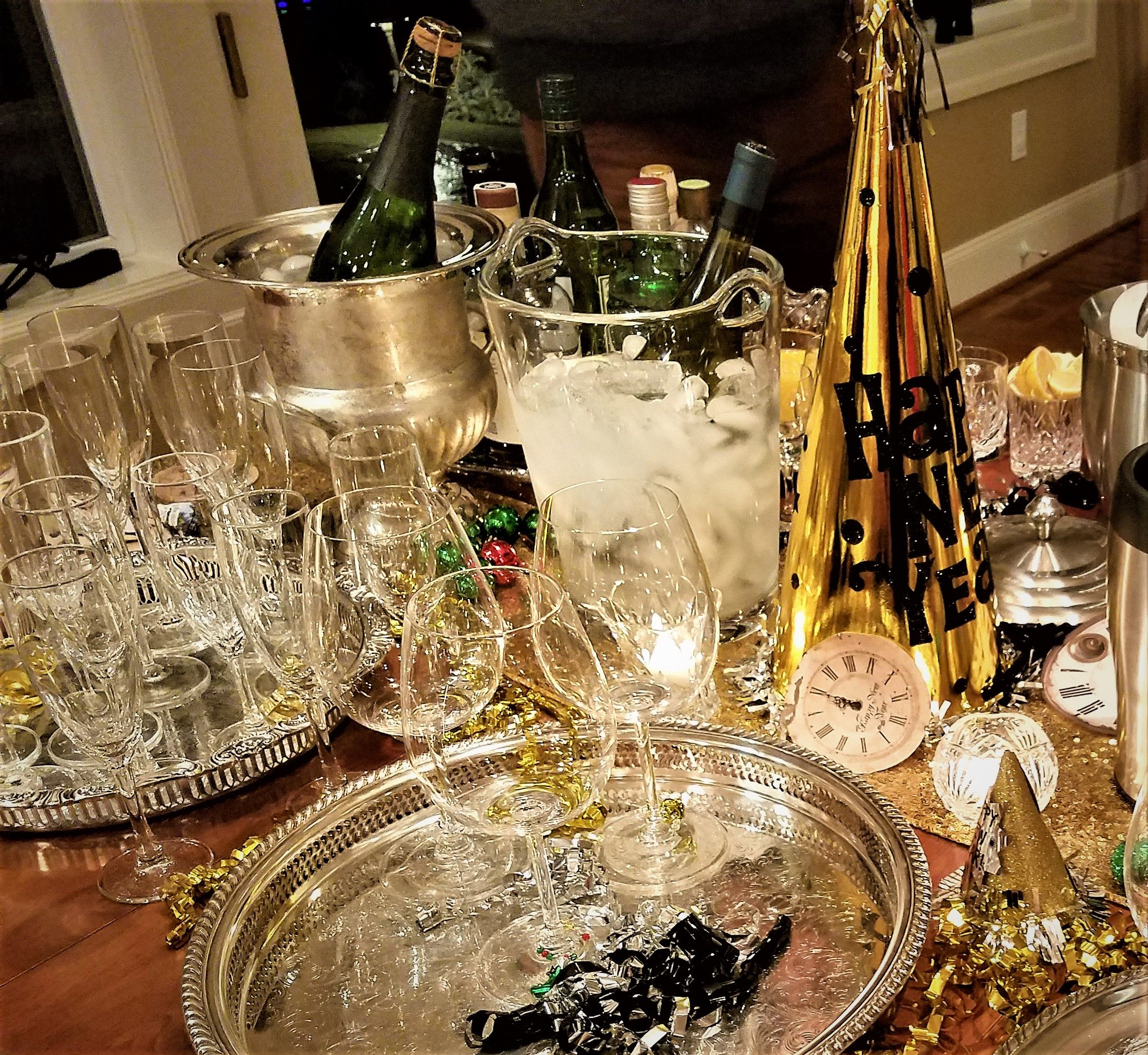 New Years eve | Table decorations, Decor, Entertaining