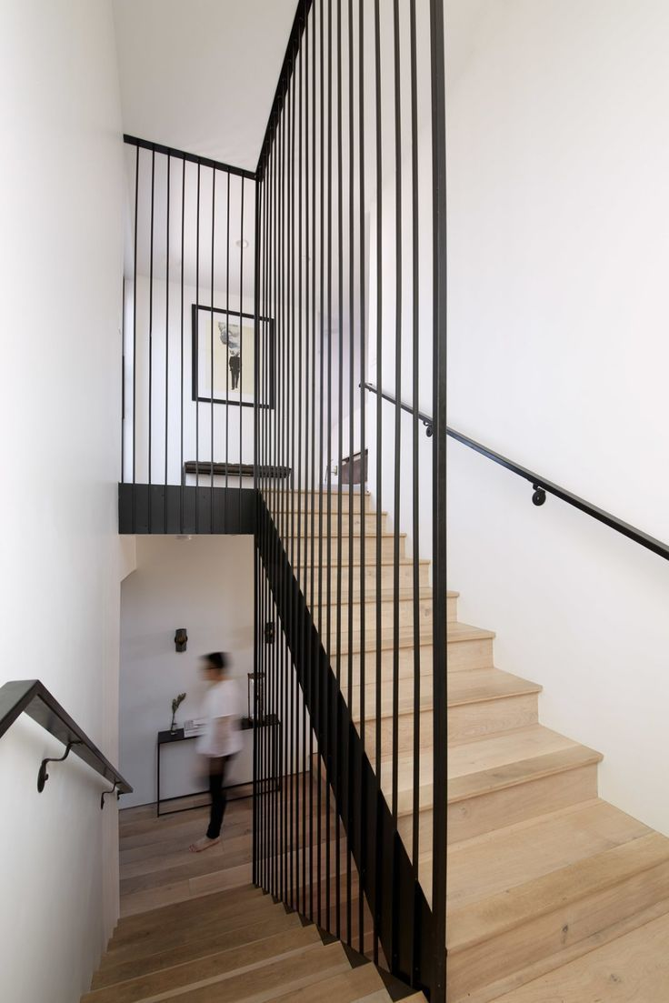 Normal Heights Residence Modern Staircase Heights normal Residence #halinrichting