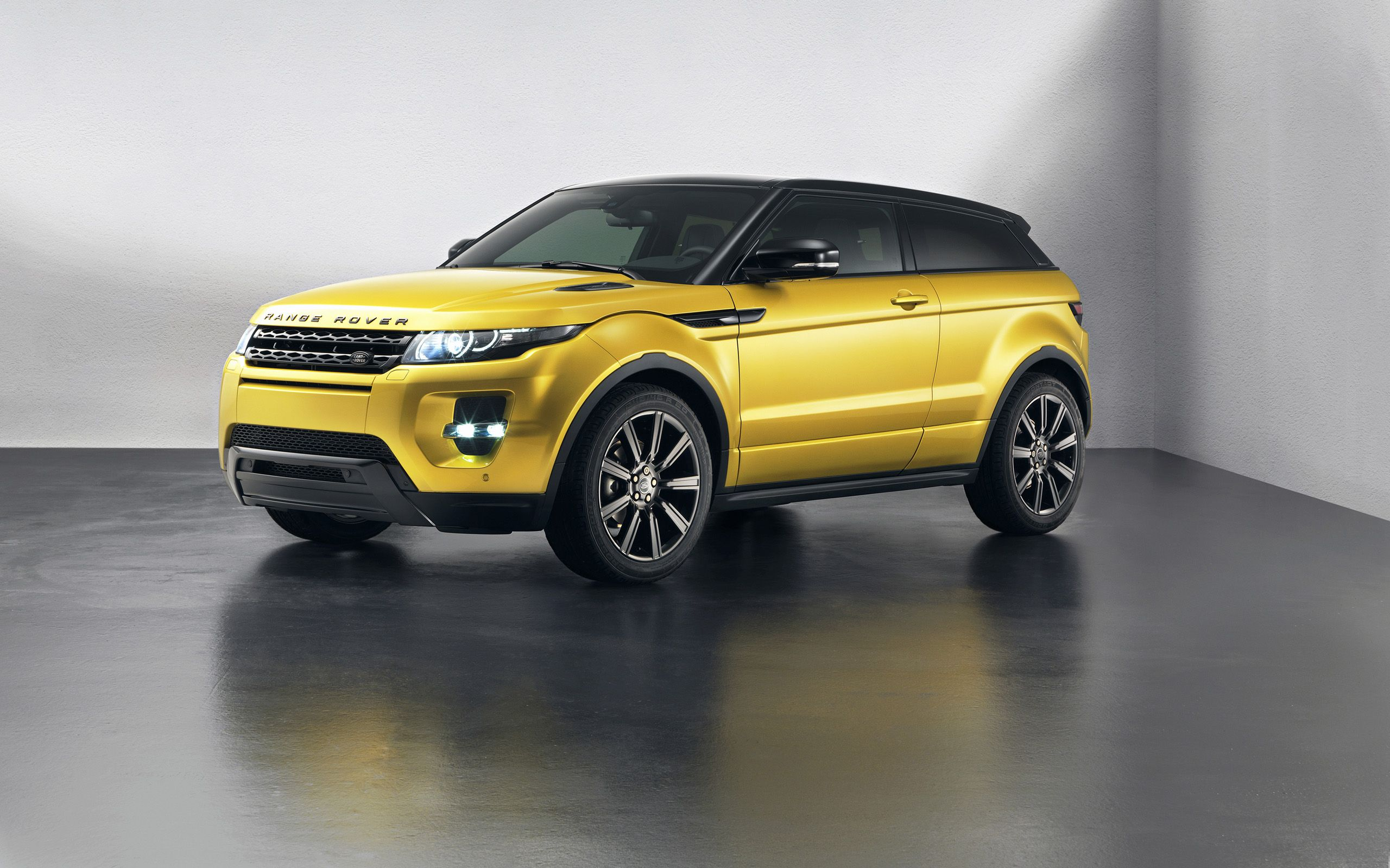 2013 range rover evoque limited edition gold the range rover evoque is gearing up for spring with the sicilian yellow limited edition model which makes its