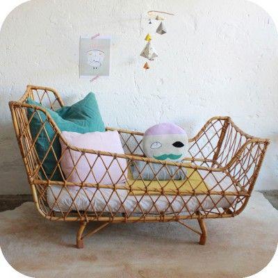 lit b b rotin vintage d597 mobilier en rotin relook pinterest lit bebe rotin et lits. Black Bedroom Furniture Sets. Home Design Ideas