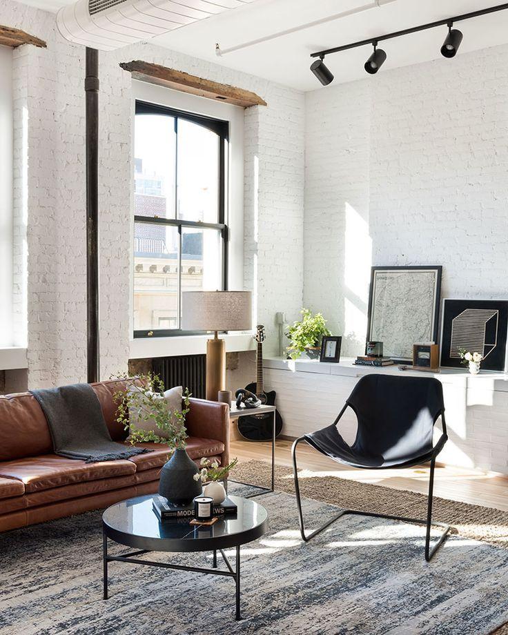 AN INDUSTRIAL IRON CAST SOHO LOFT IN NEW YORK CITY