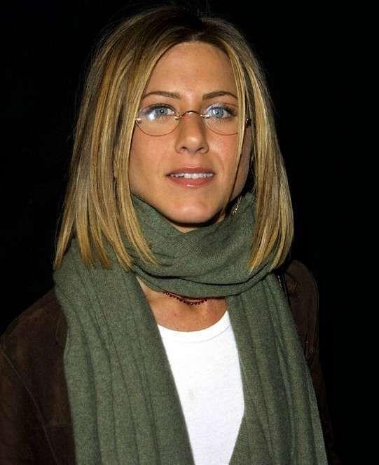 Get Jennifer Aniston Glasses Brand 2020 Background