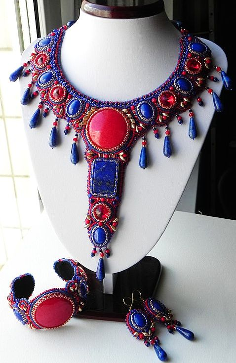 Beautiful embroidered jewelry by Alena Cilenticyriver   Beads Magic
