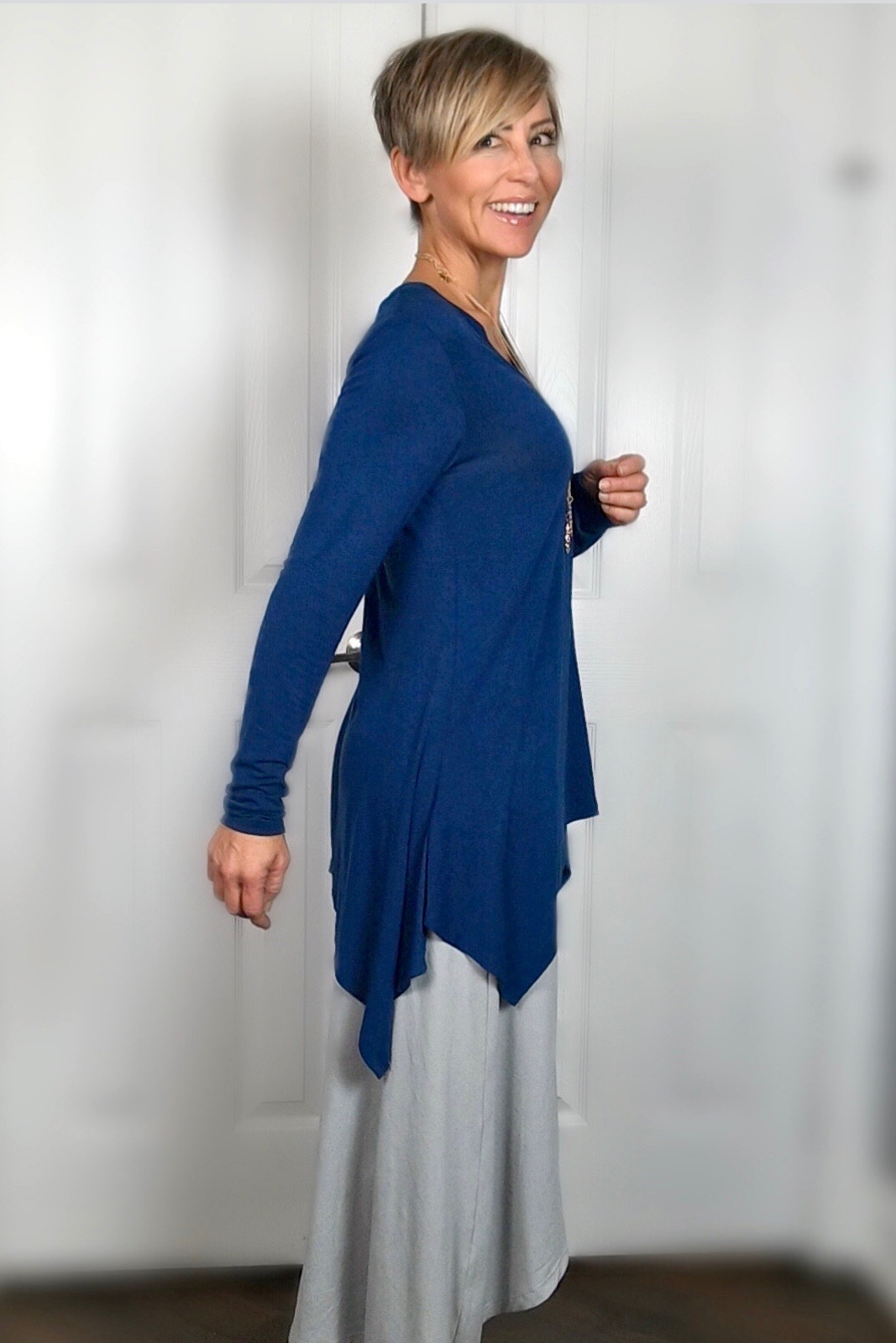 Is this love? We certainly think so. Our long sleeve, V-neck Solas top is made in a lightweight, luxurious Modal fabric. Loose-fitting tunic length with a handkerchief hem for a beautiful draped effect.