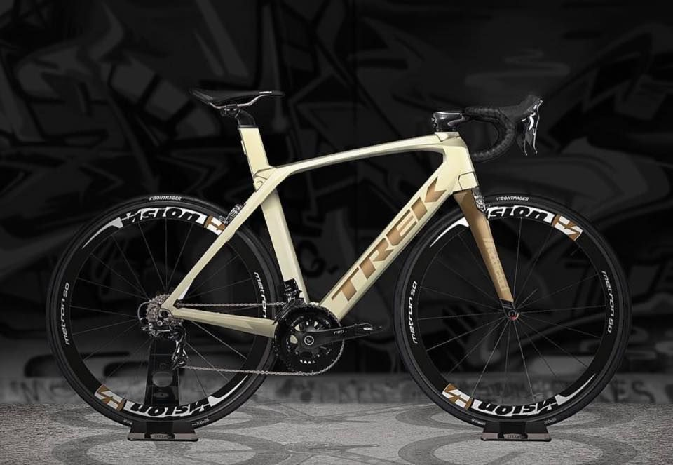 Champagne And Bronze Color Scheme On This Trek Madone 9 5 Credit Addictedbikes Bike Riding Benefits Bicycle Bicycle Accessories
