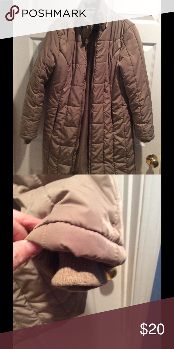 Presidents' Day sale -Winter coat - size medium - 100 % polyester filled. Good condition. Worn one season. Two inside zipper pickets . Jackets & Coats Puffers