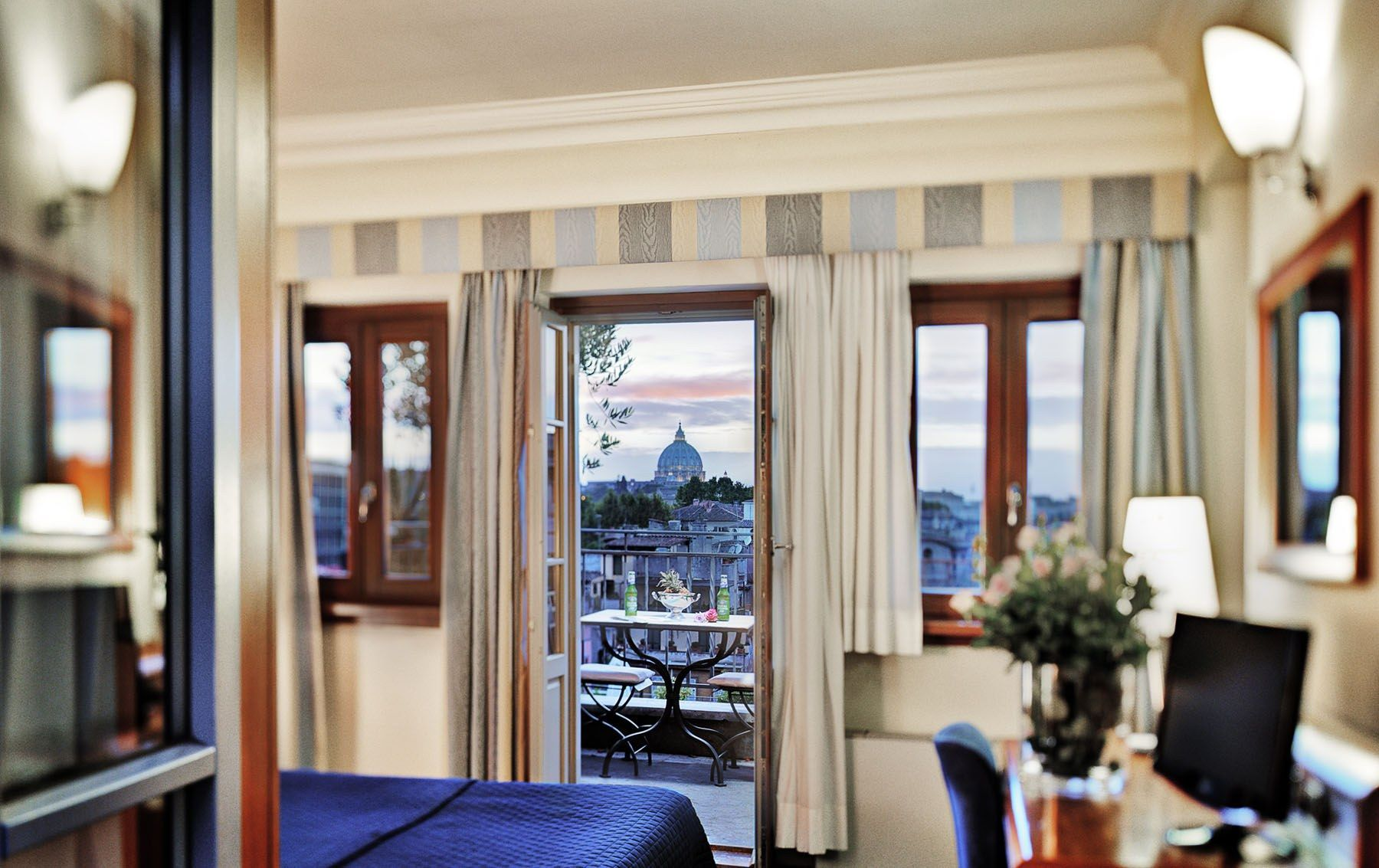 Hotel Ponte Sisto 4 Star Hotels In Rome Downtown Travel Pinterest Breakfast And Venice
