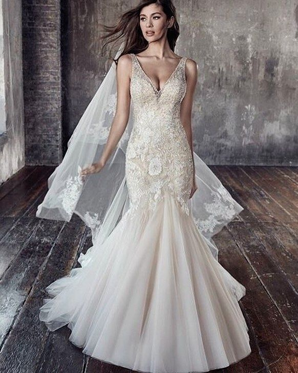 So DIVINE!! @eddyk_bridal\'s mermaid embellished with a hint of ...