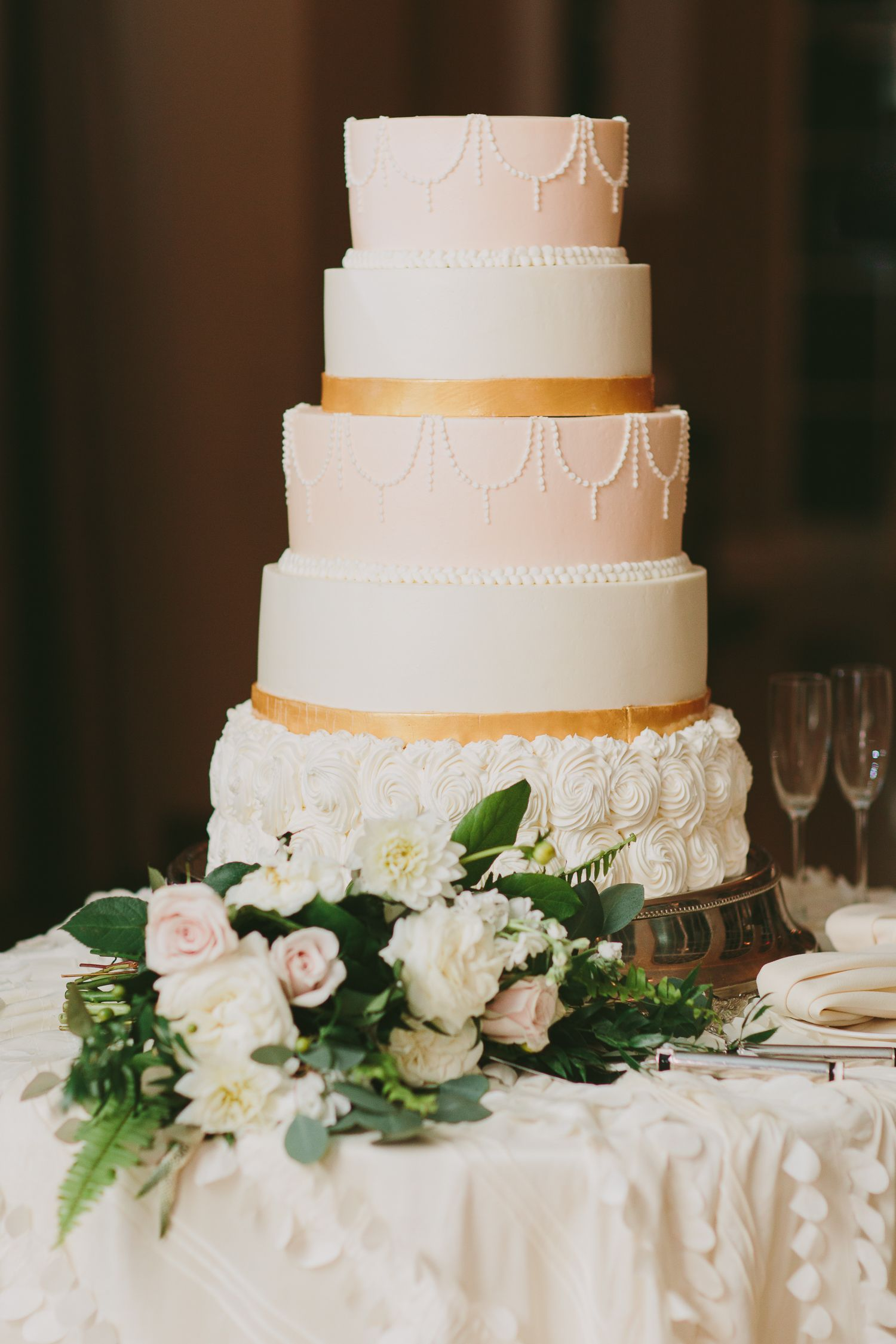 Beautiful Persian American Wedding Ideas - Glittery Bride | Wedding cake  centerpieces, Wedding cake options, Tiered wedding cake
