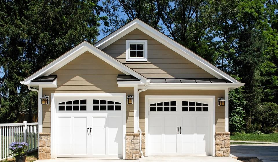 Continuing Craftsmanship Eldorado Stone Garage Design Garage Doors Garage Addition