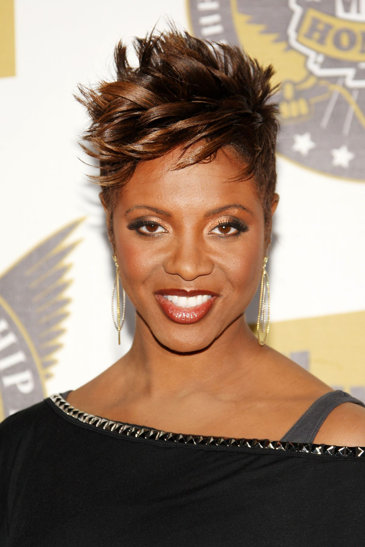 mc lyte to release 'legend' album after 12-year hiatus