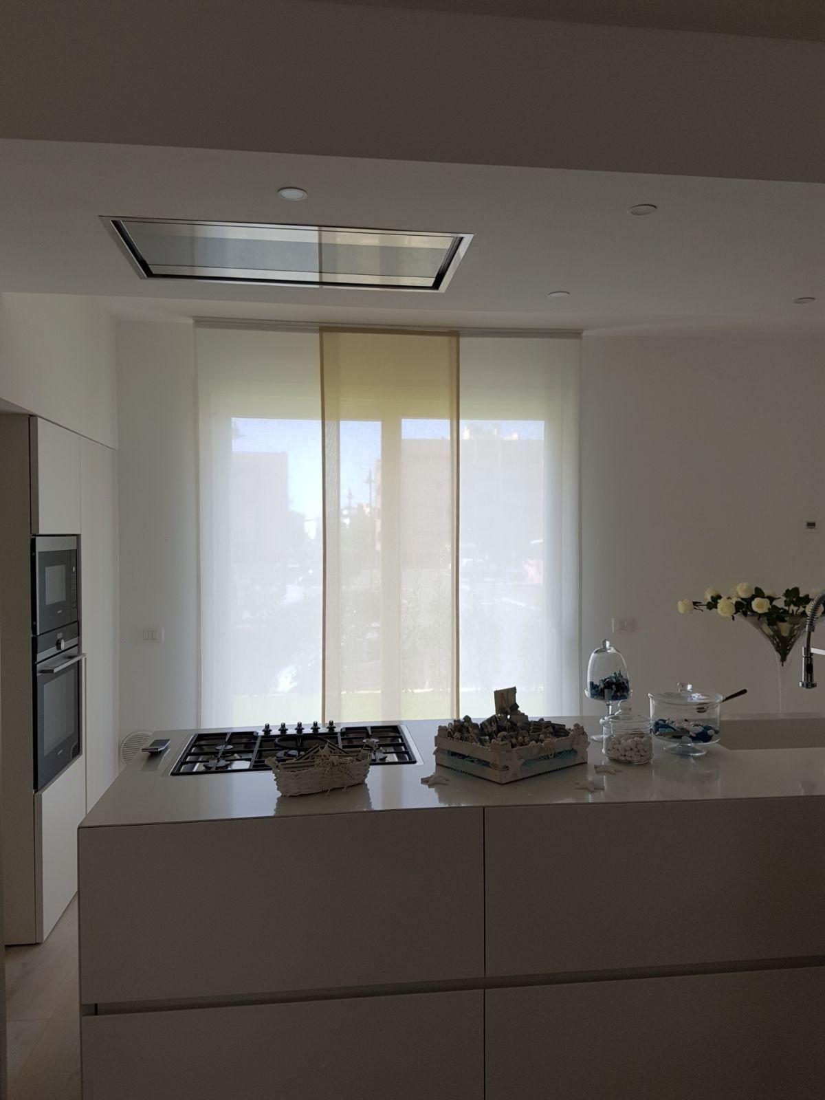 tende a pannelli filtranti per cucina | Tende da Interni, Serramenti ...