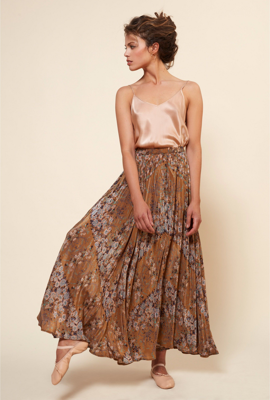 e3a101b9e5bda Jary   bohemian style   Pinterest   Boutiques de vêtements, Createur ...