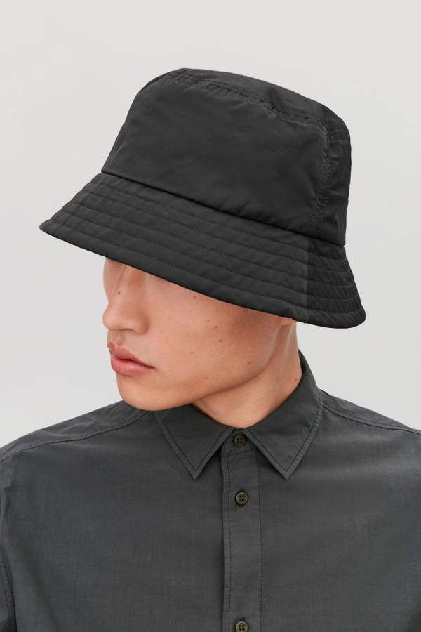 Cos BUCKET HAT  4797d56819a