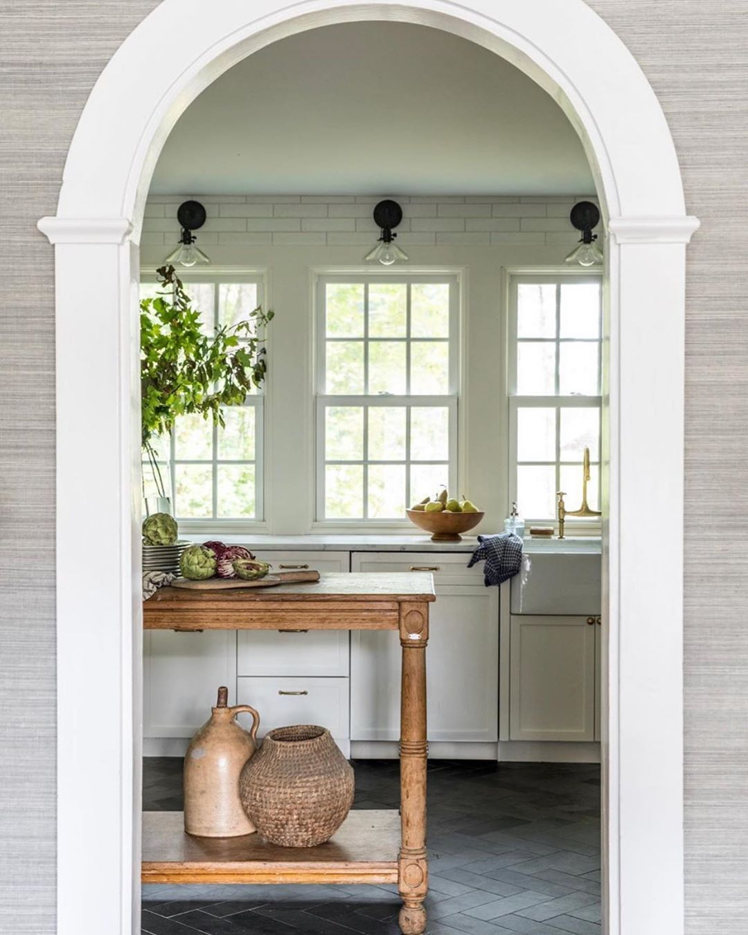 I See You Archway And Perfectly Simple Material Selections I Certainly See You And I Definitely Dig You De In 2020 Dark Kitchen Floors Home Decor House Interior