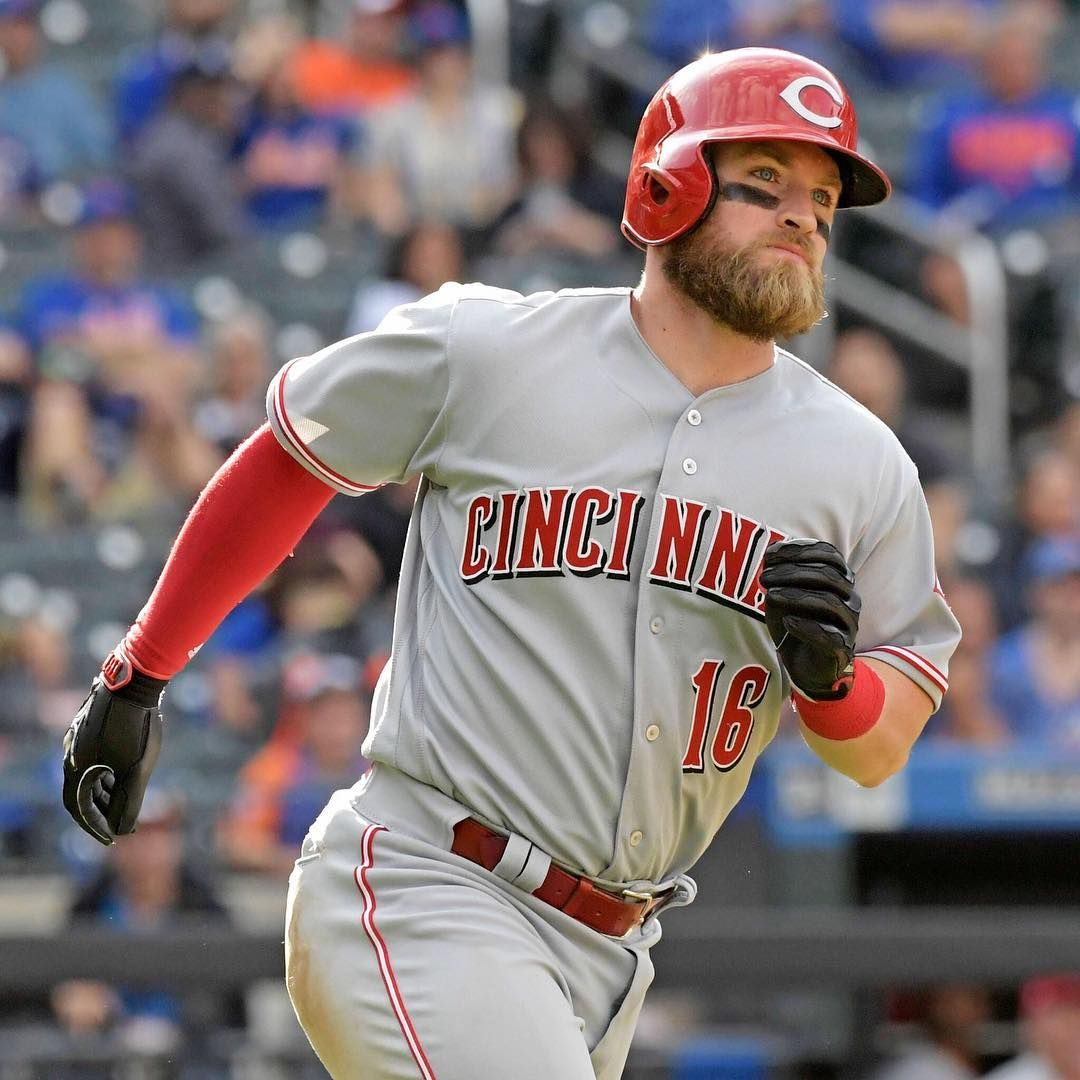 The Reds and C Tucker Barnhart have agreed to terms on a