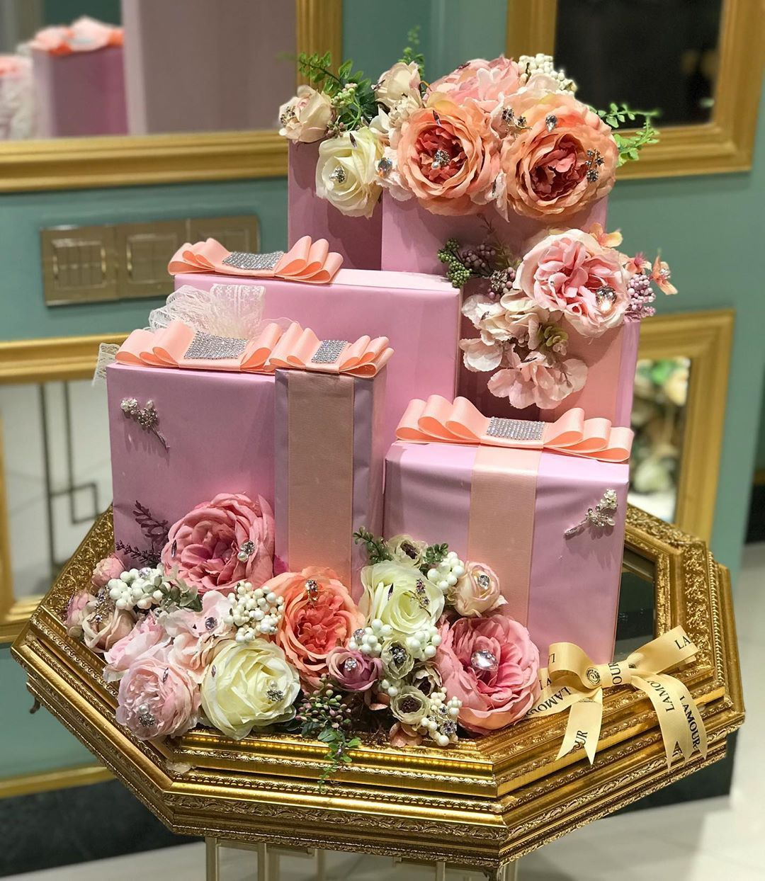 Pin By Nabila Zz On Wedding Gifts Bride And Groom Wedding Gift Hampers Creative Wedding Gifts Indian Wedding Gifts