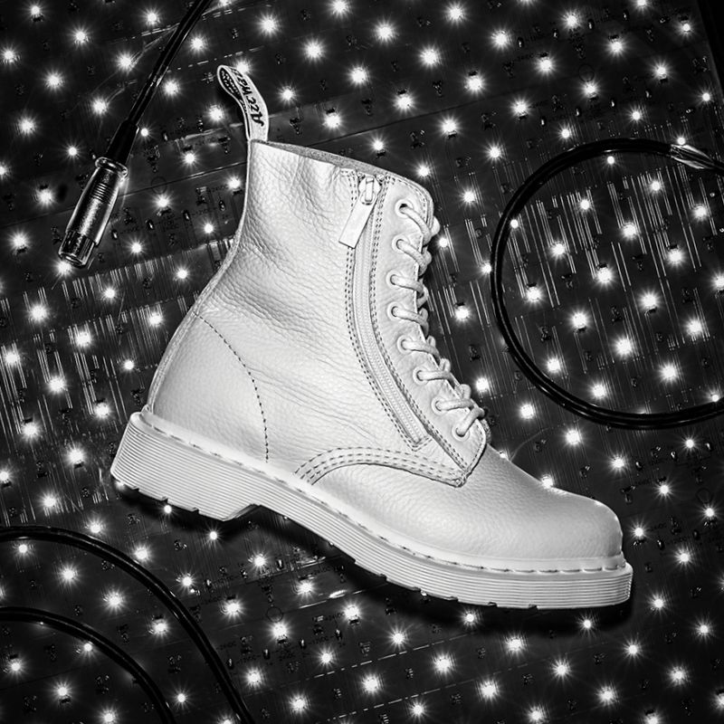 d8823c5835b Mono Styles Unzipped  The Zip Pascal boot.