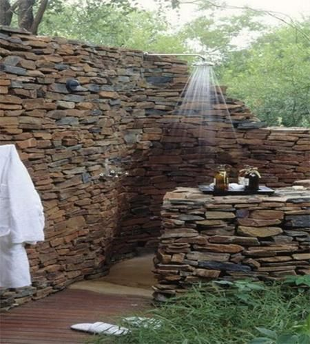 30 outdoor shower design ideas showing beautiful tiled and for Beau jardin bath rocks