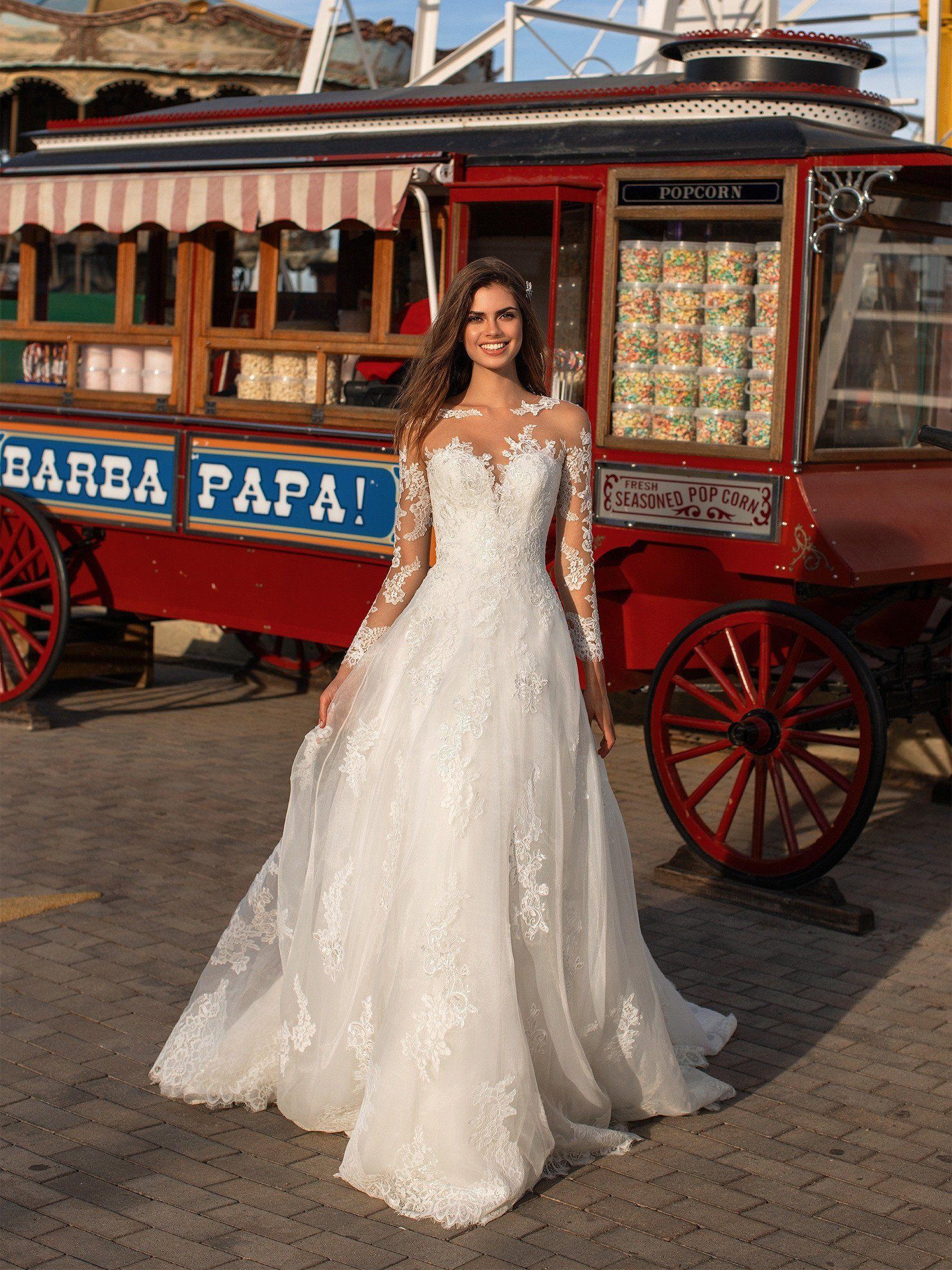 Top 20 Vintage Wedding Dresses For 2016 Brides Long Sleeve Wedding Dress Lace Lace Wedding Dress With Sleeves Wedding Dress Sleeves [ 2255 x 1691 Pixel ]