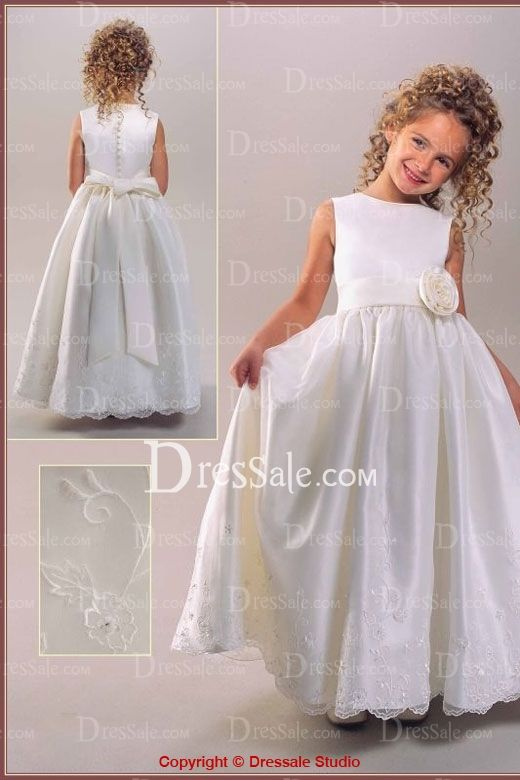 Gorgeous wedding party dress for flower girls, sleeveless design combines with A-line silhouette a show-stopping view comes to you, a piece rosette at the side waist part enhances glamour, and the soft and sleek skirt flares out with elaborate appliques and shimmered beads.