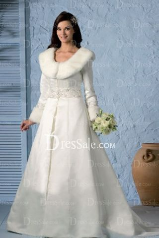 Refined Winter White Wedding Dress In The Elegant Style With Warm Fur