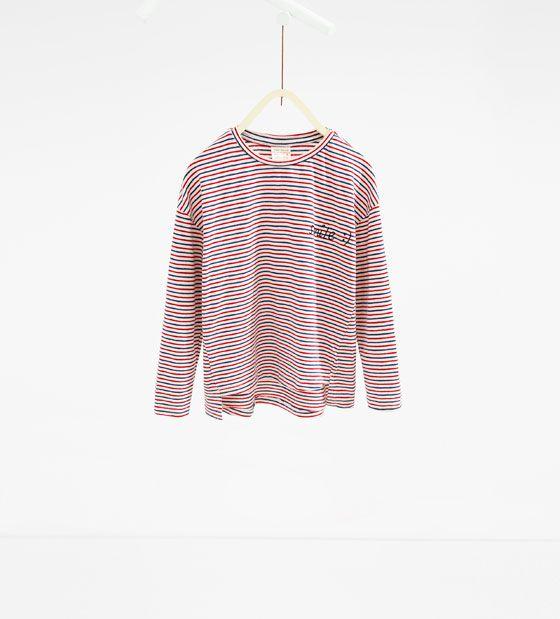 Image 1 de T-shirt à rayures tricolore de Zara