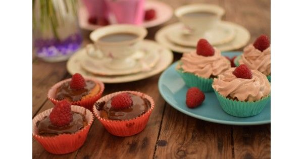 Happy Valentine's Day from us at Mokkapuu!           Today we made some supersimple but absolutely delicious coffee-chocolate-cupcakes. And these treats are also glutein free, non-dairy and eggless