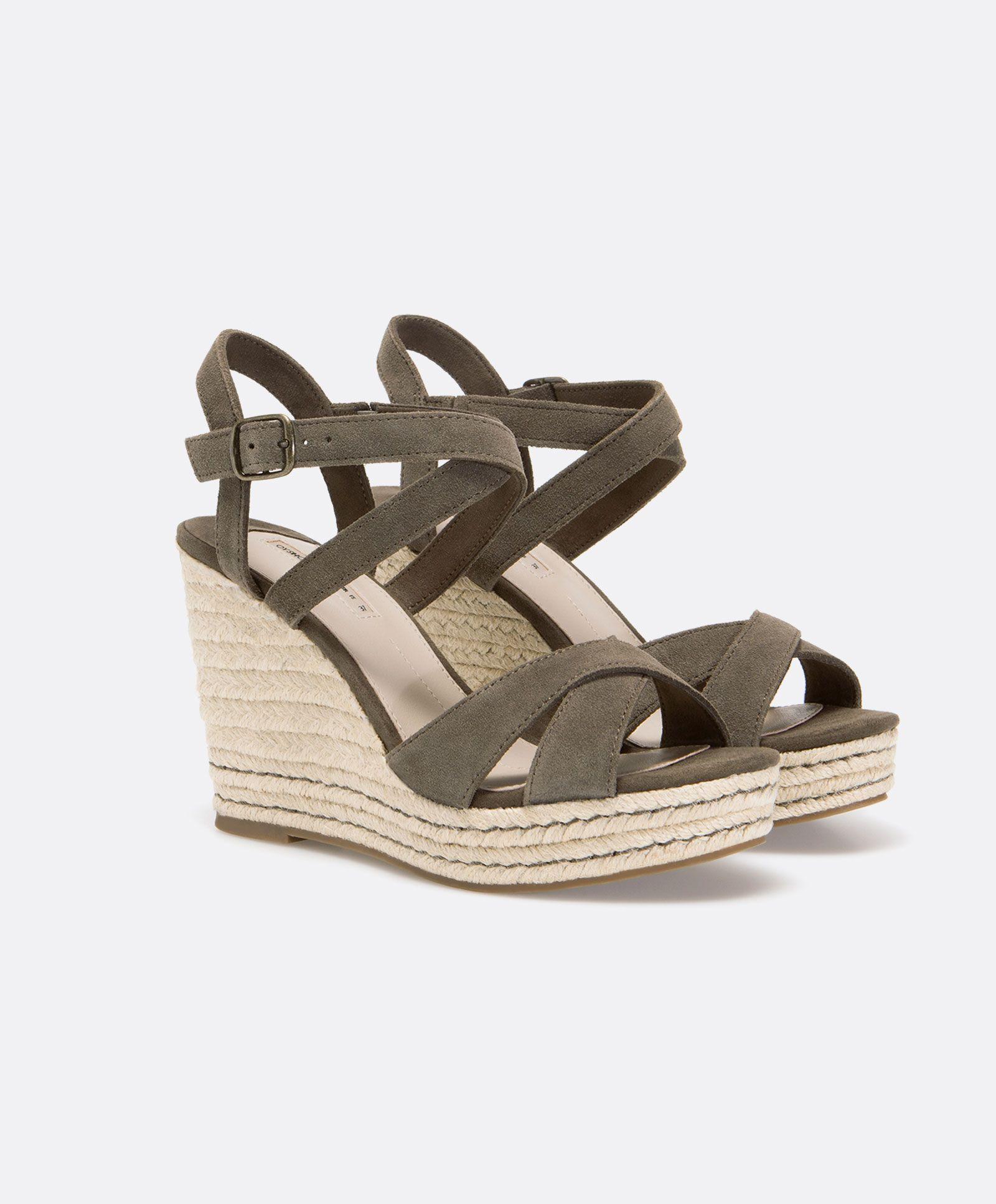 cc2e20182 Sandálias de cunha couro aveludado - OYSHO | shoes in 2019 ...