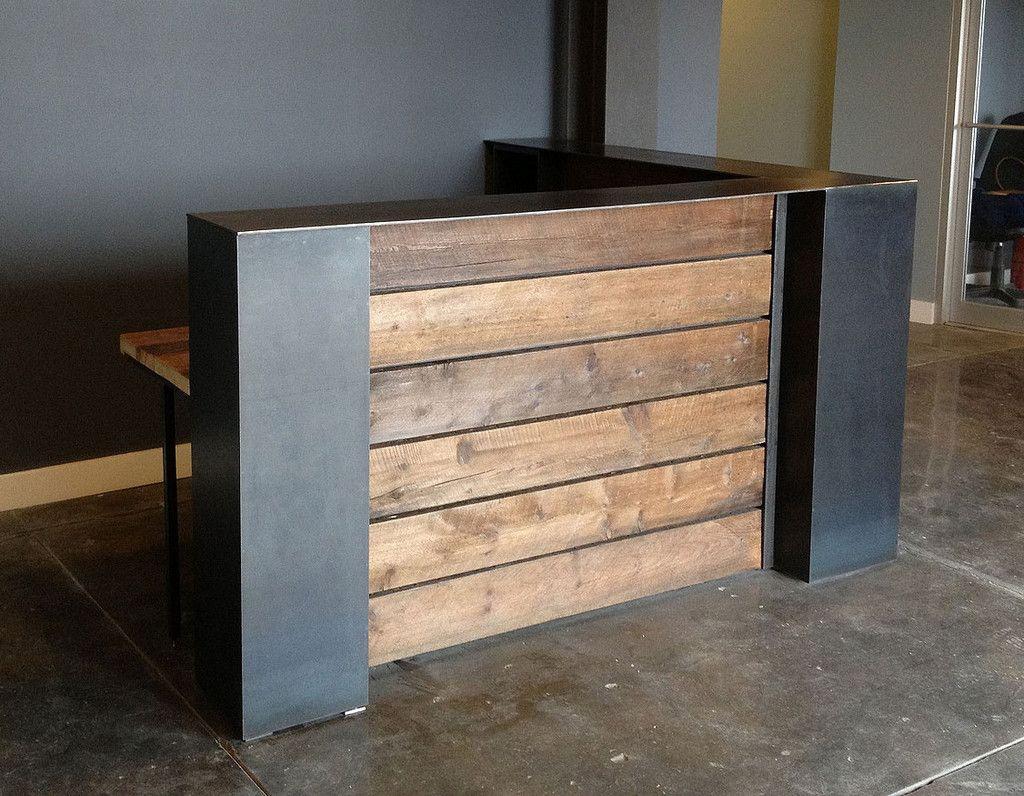 Welcome deskcheck in station Dallas reception desk
