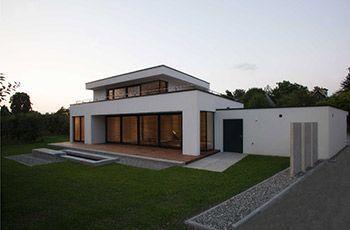 Exklusives einfamilienhaus mit flachdach alles rund um den garten pinterest flachdach - Architektur einfamilienhaus modern ...
